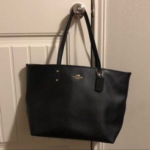 Coach large City Tote in Black Saffiano Leather